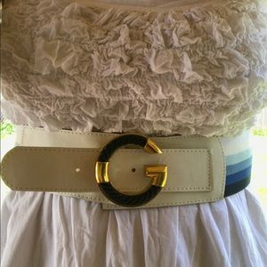 Blue and white stretchy belt